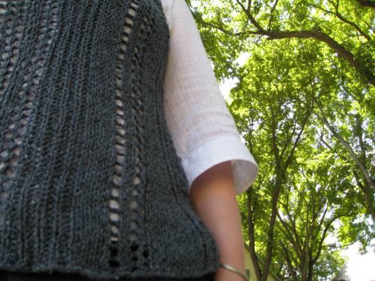 da9743437d1 Parallax Knitting · Morse code vest